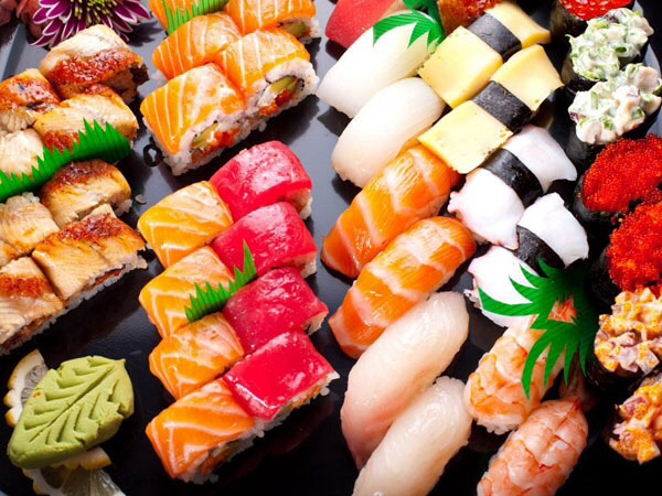 Sushi: health benefits and risks