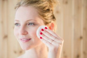 9 Surprising Uses for Skincare Oil