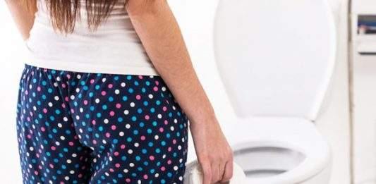 Почему хочется в туалет по большому при месячных